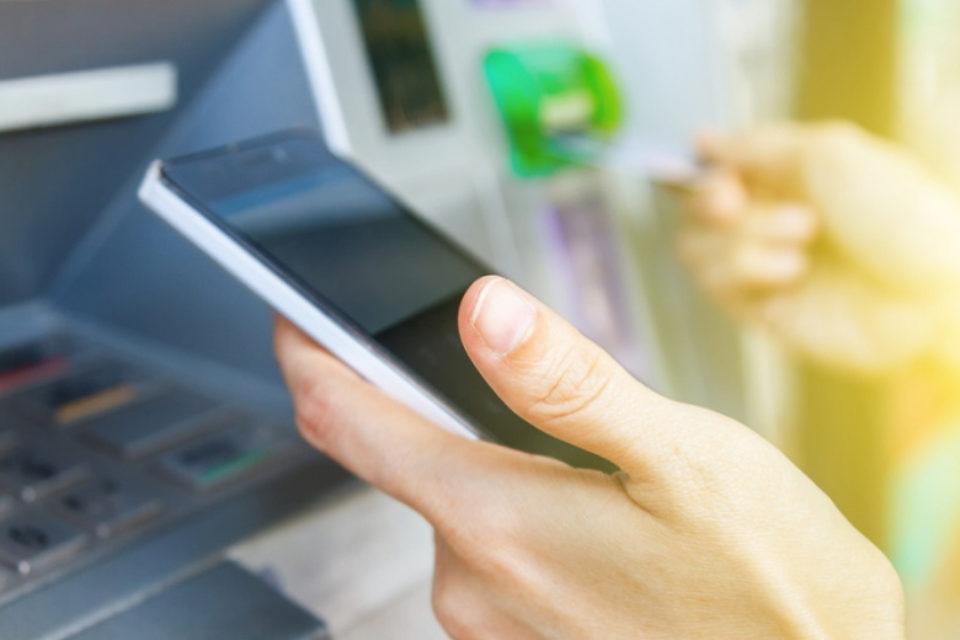 Apple Pay вече може да се използва на 500 банкомата на Wells Fargo