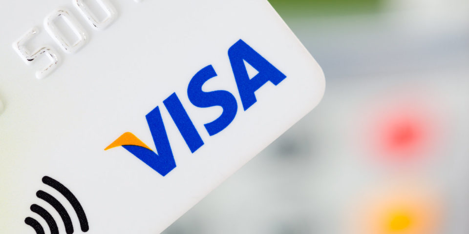 Visa ще спре да изисква подпис на картите си с чип