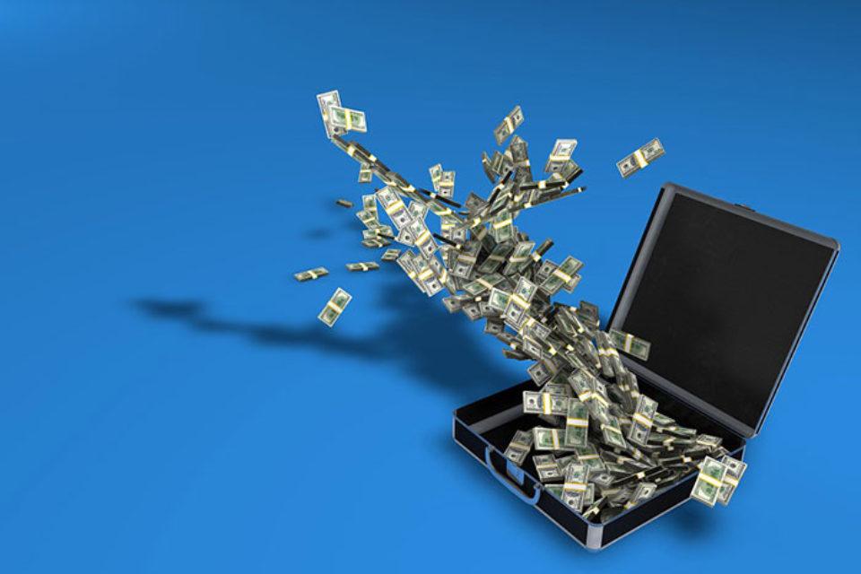 Онлайн търговията продължава да движи електронните разплащания