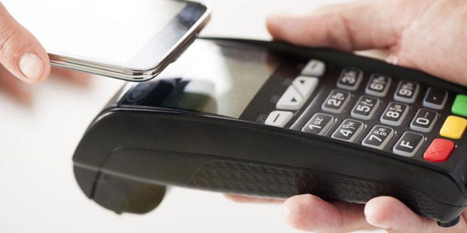 Fintech компаниите изпреварват банките в разплащанията
