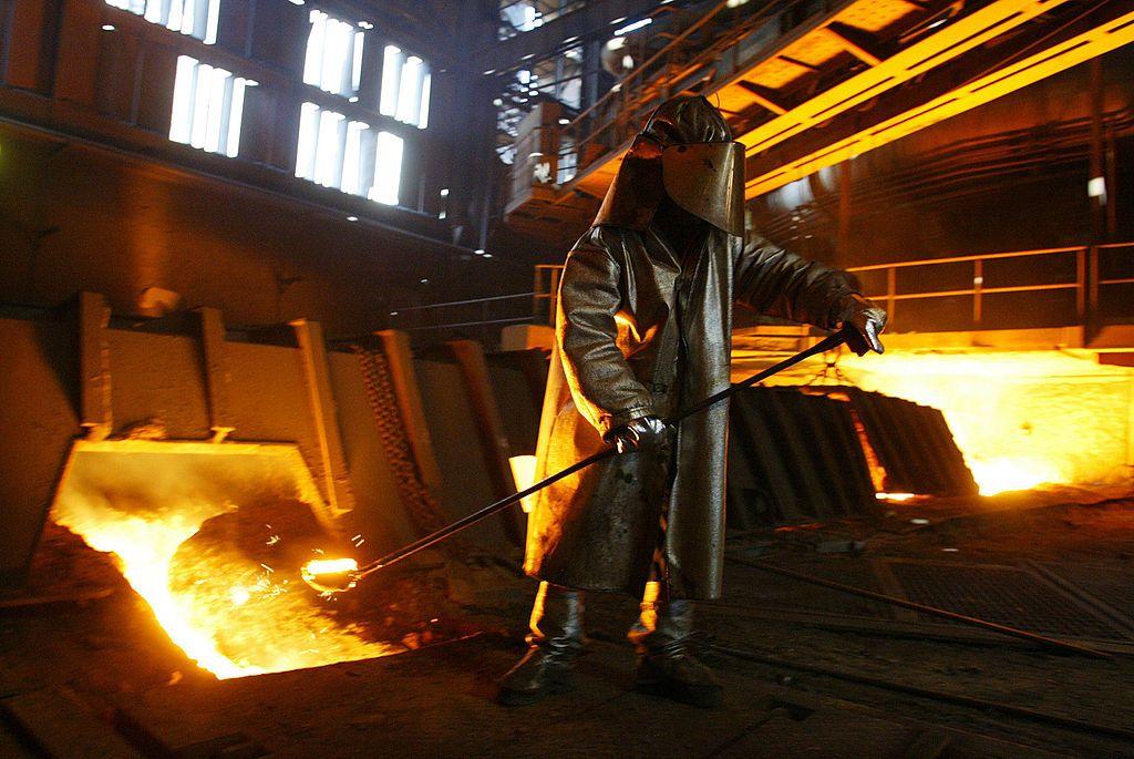 Стоманодобивната промишленост изпитва остър недостиг на суровини след ковид-кризата.